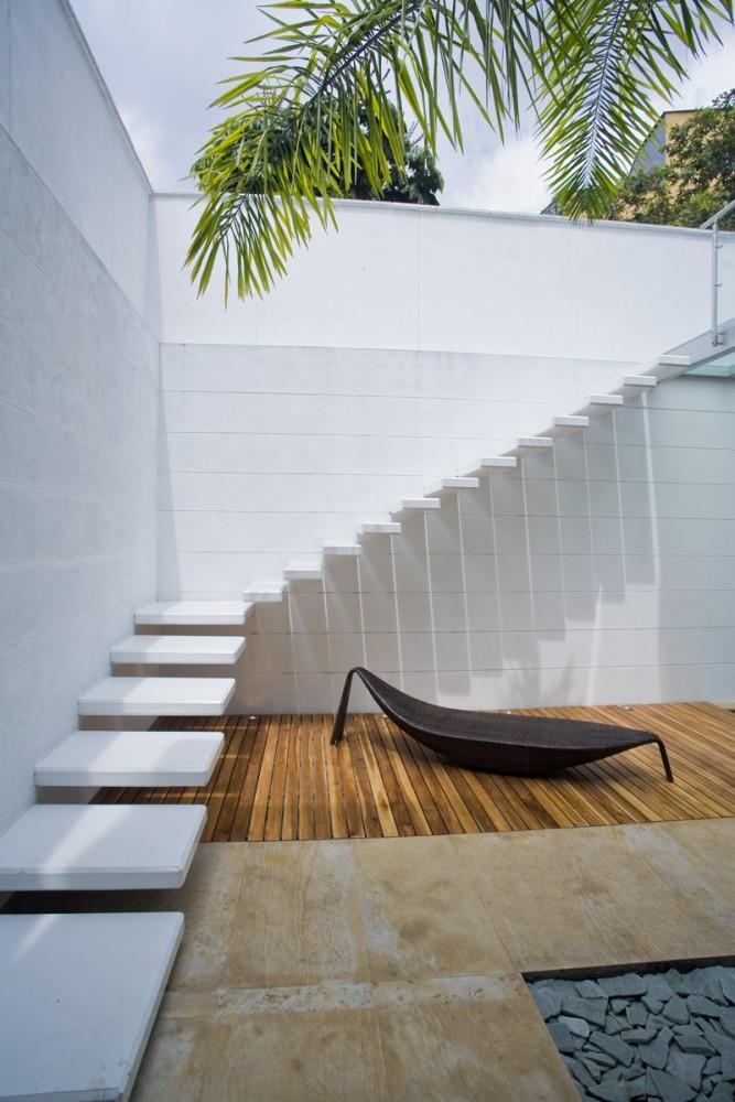 subir con estilo escaleras de dise o. Black Bedroom Furniture Sets. Home Design Ideas
