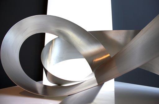 Elemento decorativo de interior en acero