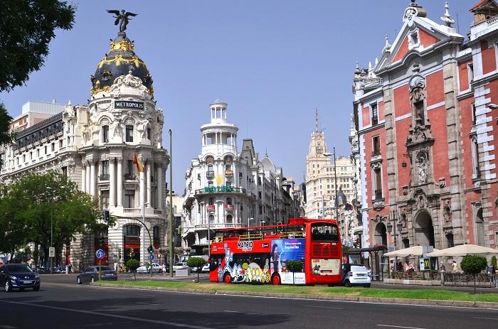 Los límites de la arquitectura modernista en la capital del 'Reino'