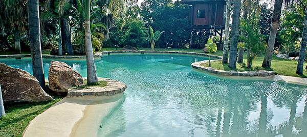 construccion piscinas de lujo en costa del sol